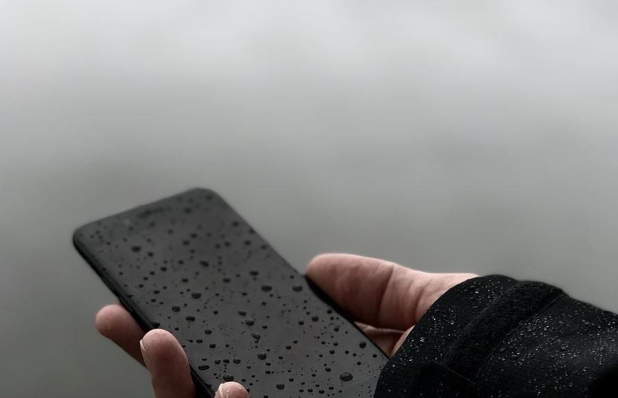 Galaxy S8 moisture in charger port warning