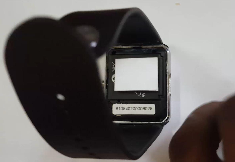 Fix GT08, DZ09, or U8 Smartwatch not Turning On - BlogTechTips