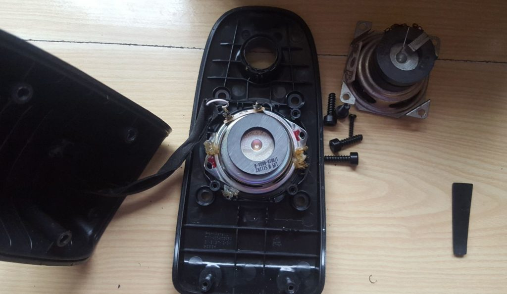 Open and Repair the Logitech Z506 Speakers
