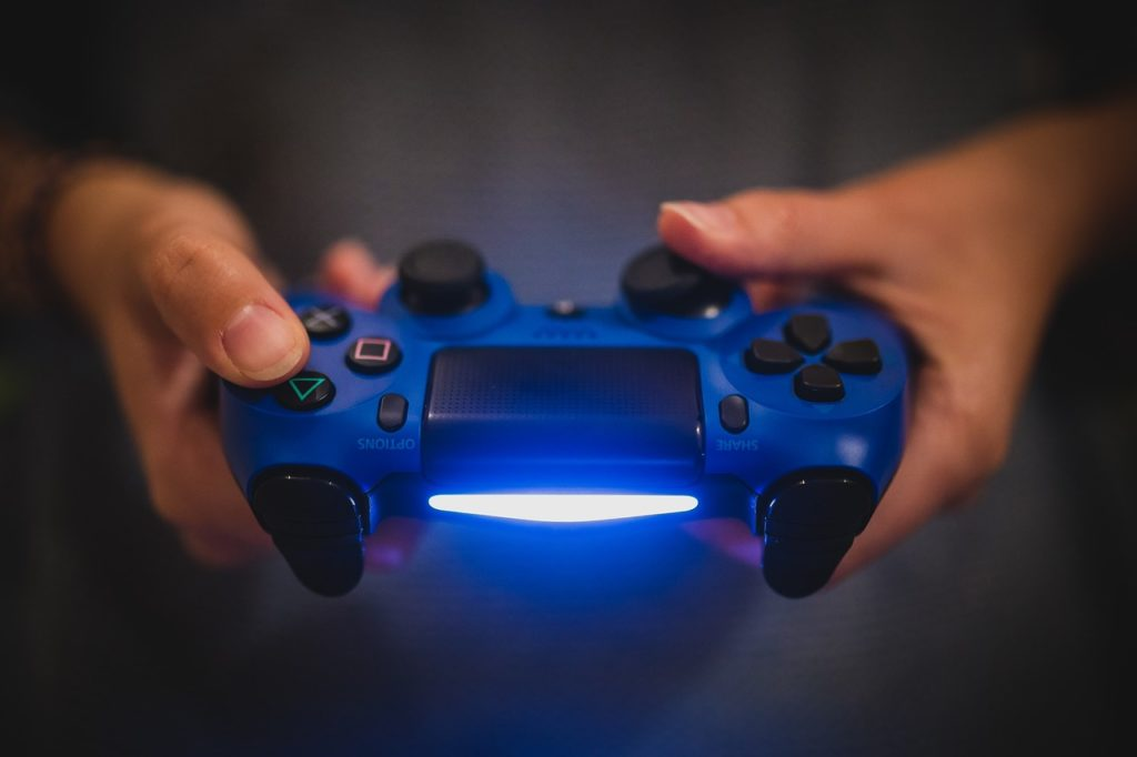 How to charge your PS4 Controller