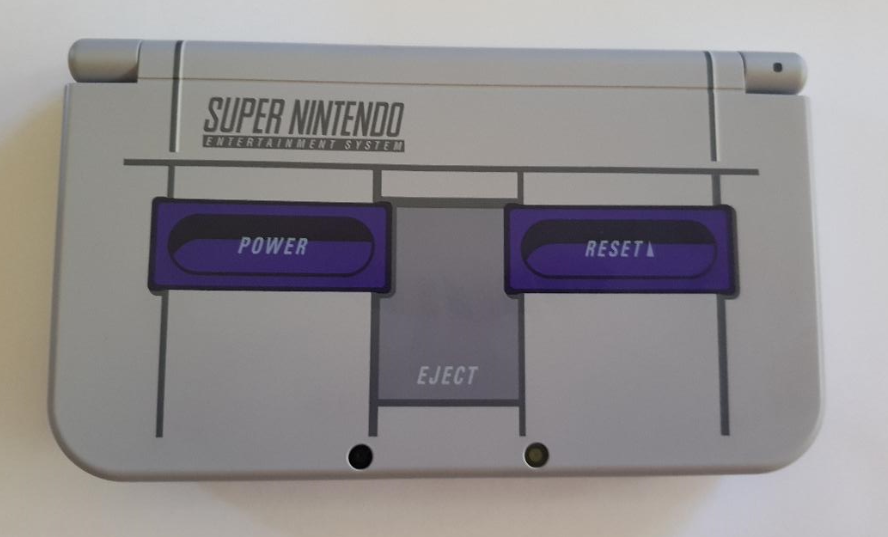 Nintendo 3DS XL Super NES Edition