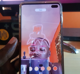 How to get and Use AR Doodle Galaxy S10